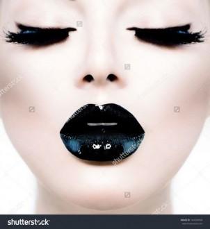 Какие преимущества у идивидуальных занятиях на курсах макияжа, наращивания ресниц