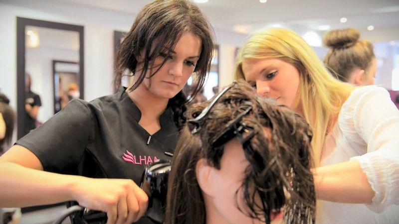 Где закончить парикмахерские курсы у преподавателя (индивидуальное обучение)?