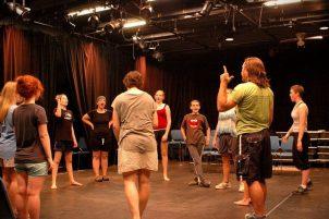Как найти индивидуальные курсы по актерскому мастерству на дому?