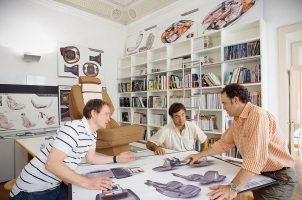 Где найти учебный центр, школу дизайнеров с индивидуальными занятиями?
