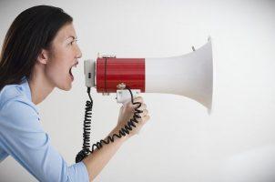 Консультируем абитуриента по поводу набора в учебное заведение по ораторскому мастерству