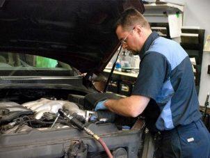 Мы можем посоветовать вам где пройти курсы по специальности «автослесарь»