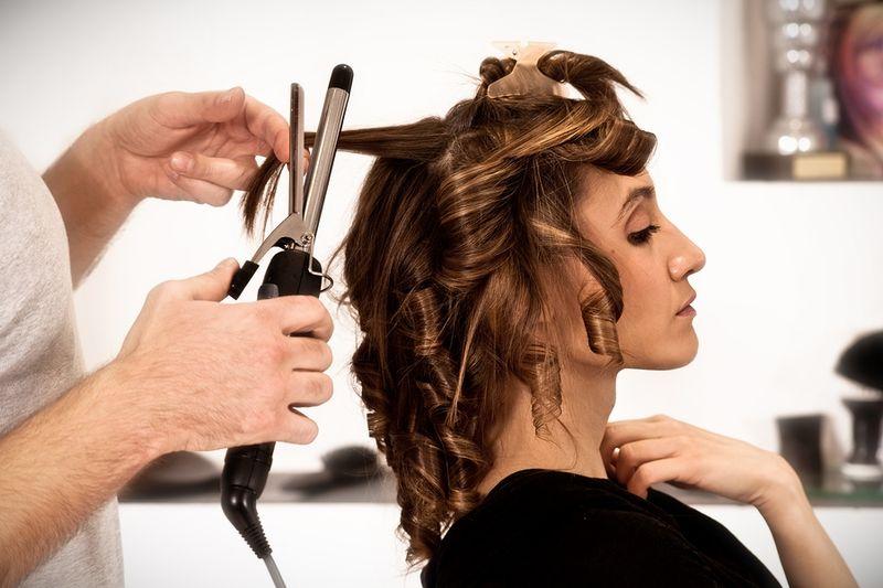 Мы поможем вам найти самые посещаемые парикмахерские школы