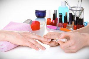 Преподаватель наращивания ногтей