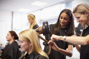На заметку — парикмахерские учебные комбинаты и все о них